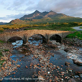 THE OLD BRIDGE AT SLIGACHAN, ISLE OF SKYE, INNER HEBRIDES.   Picture Credit : P.Tomkins / VisitScotland